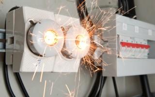 Ποια σημάδια μαρτυρούν βλάβες στα ηλεκτρικά;